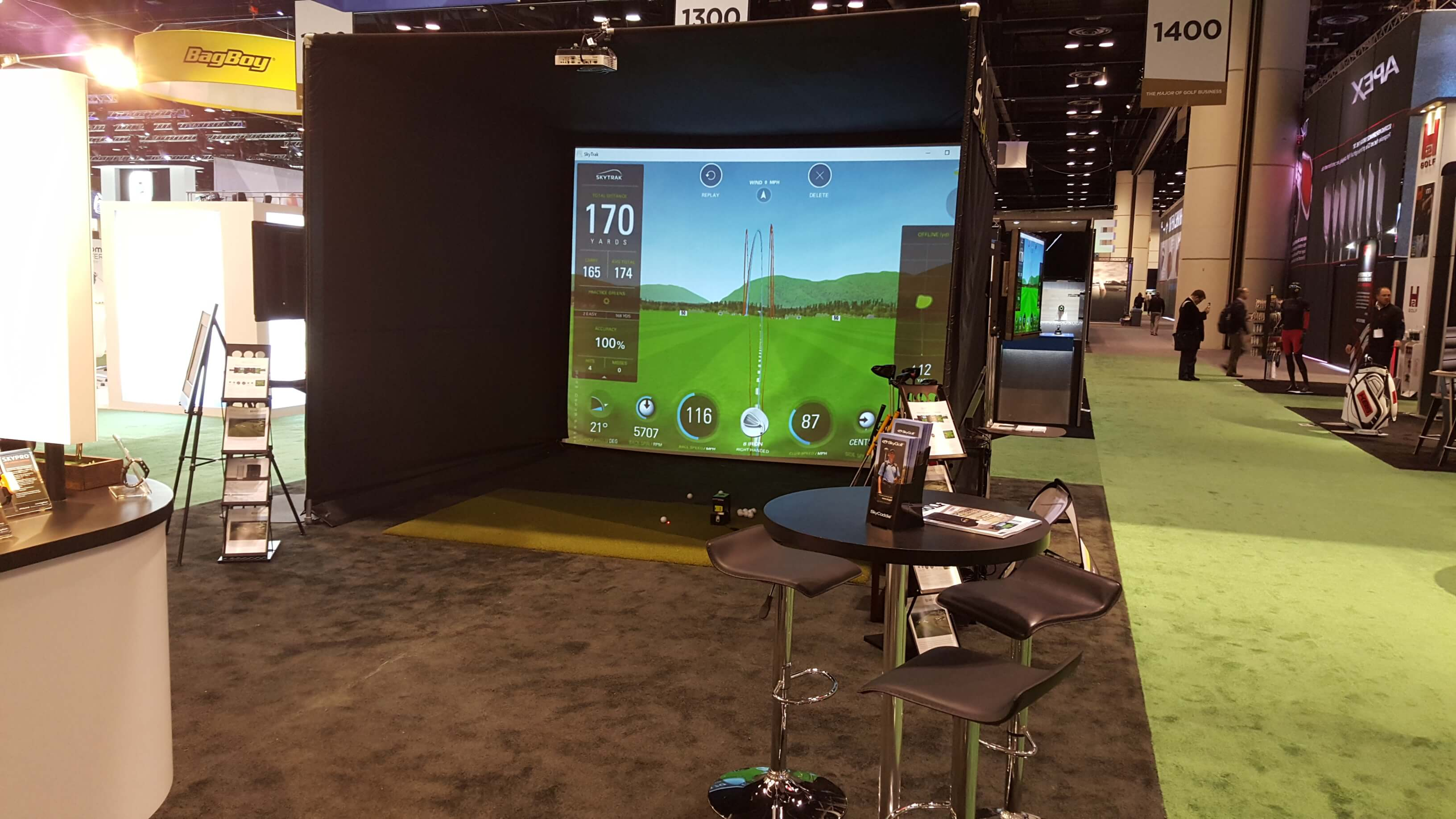 Golf simulator advice for sale rent golf swing systems for Apartment design simulator