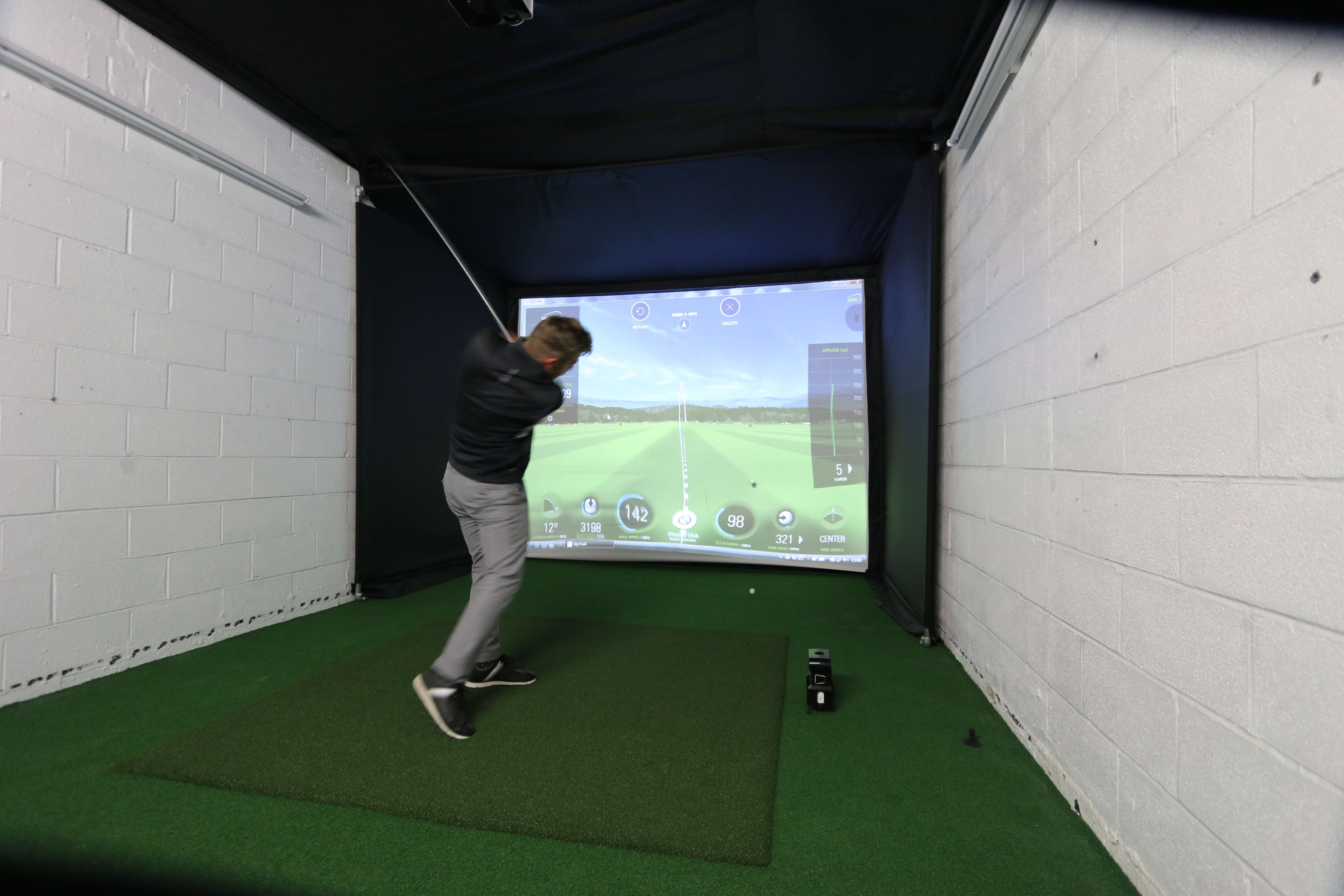 Skytrak Amp Home Golf Simulator Enclosure Golf Swing Systems